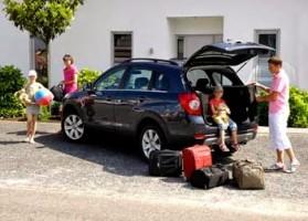 Layanan-sewa-mobil-madiun-liburan-keluarga